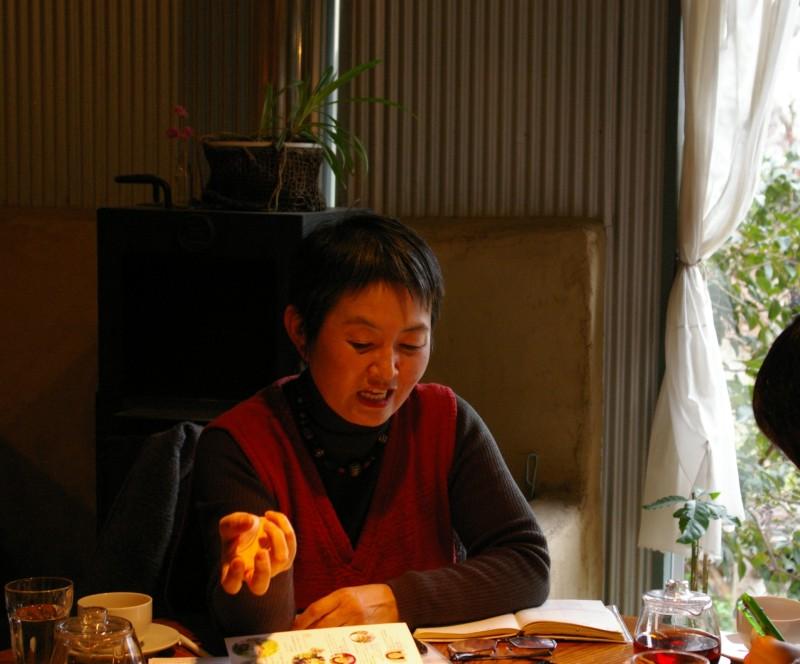 深津高子さん、カフェスローにて